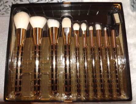 Ten (10) beautiful, functional and very affordable makeup brushes. Thank you Sonia Kashuk and Target!
